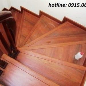 Cầu thang gỗ công nghiệp tại Hà Nội, cau thang go cong nghiep, cau thang gia re