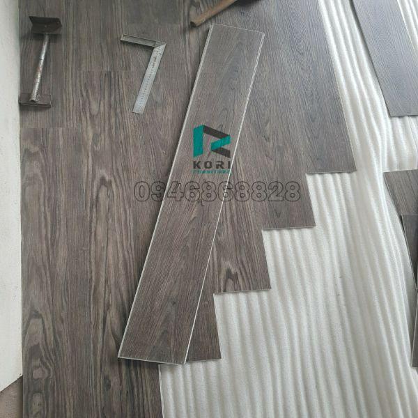 Thi công sàn nhựa giả gỗ Cà Mau