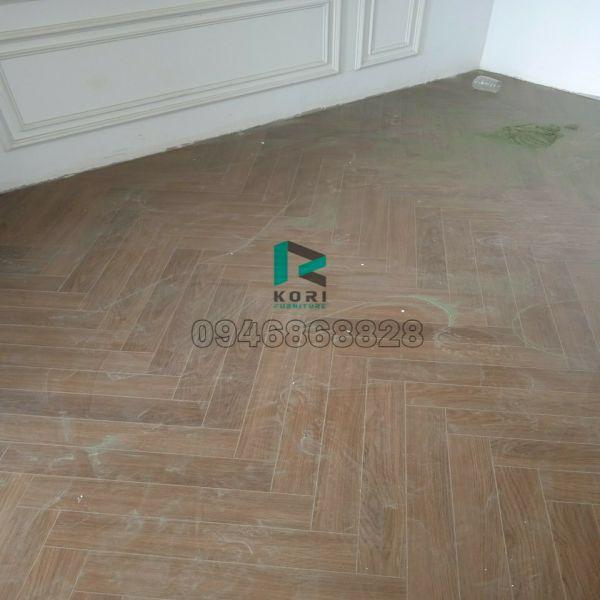 Hoàn thiện sàn gỗ nhập khẩu Thái Lan