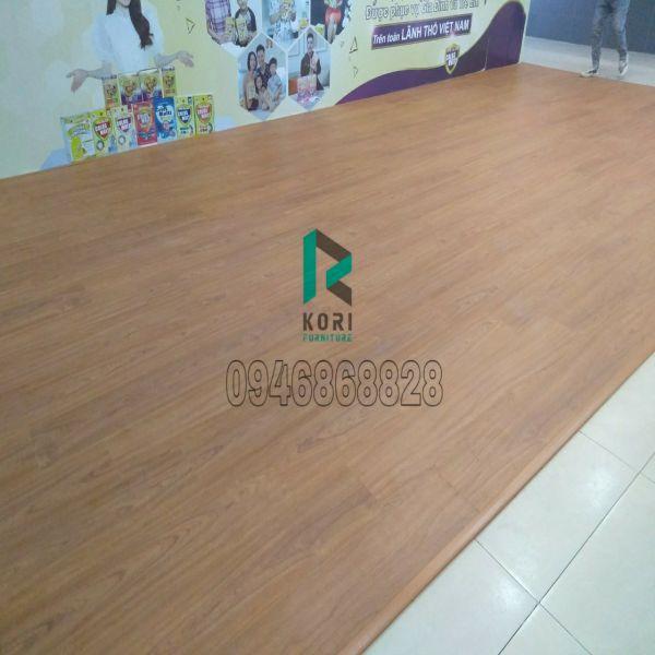 Hoàn thiện sàn gỗ Vinasan tại Hà Nội