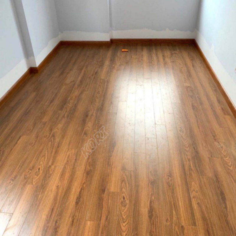 Sàn gỗ ấm áp, sang trọng cho phòng khách